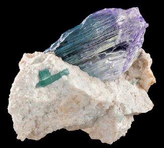四川可尔因矿集区新发现6条锂辉石矿体