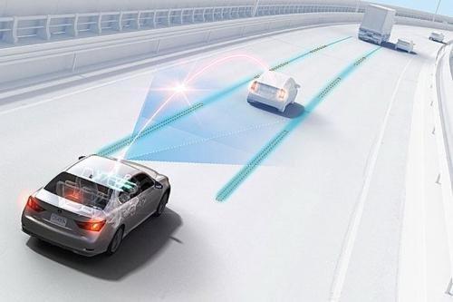 """""""锂电池先驱""""吉野彰:自动驾驶电动汽车加剧电池挑战"""