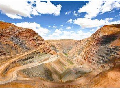 厦门口岸成全国最大进口锆矿砂口岸 占全国进口量一半