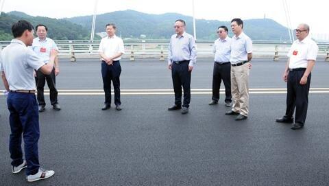 世界首条石墨烯改性路面在广西建成