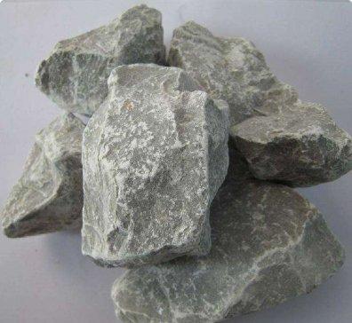 龙基石业:石灰石卖出玉石价
