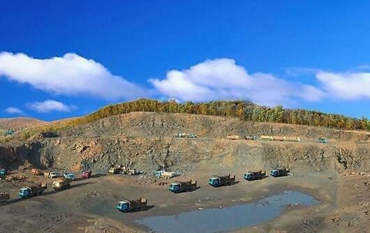 鹤岗全力打造石墨新材料产业基地