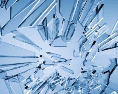 玻璃市场信心不足 厂家挺价运行