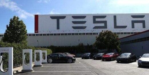 特斯拉上海超级工厂正式敲定 马斯克将辞去董事长职务