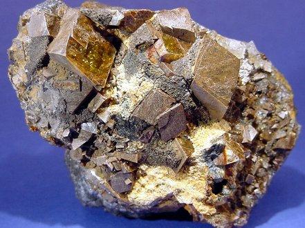 铁矿石冬储行情仍可期