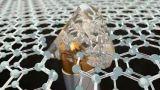 科学家已经发现证据表明双层石墨烯具有可以让它们完全无电阻地传导电流的特性