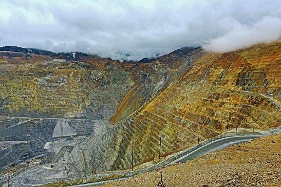中国铜企与国际矿企达成明年世界铜加工费协议价