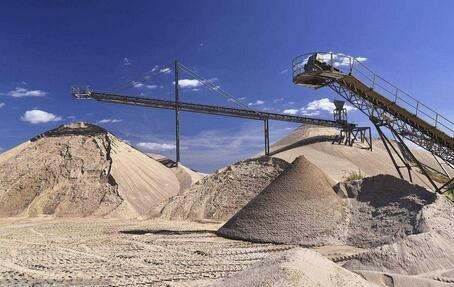 全国各地砂石价格暴涨 混凝土公司:有价无货