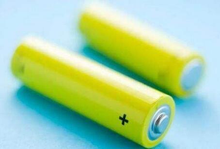 """高能锂离子电池""""双重修饰""""正极材料合成"""