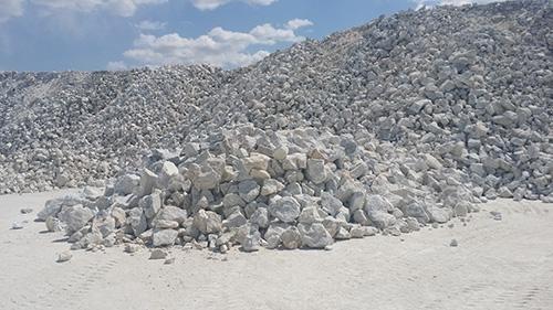 """重钙之都""""广西贺州:打造碳酸钙千亿元产业"""