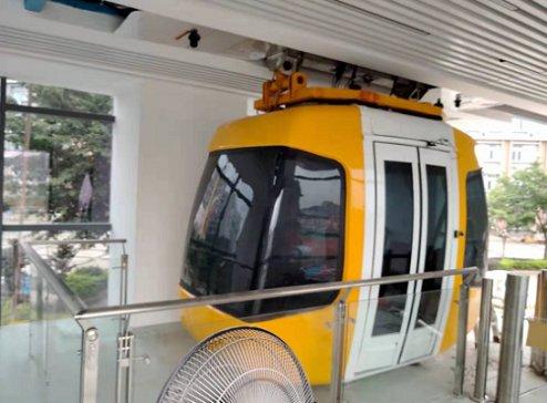 江西理工大学自主研发的稀土永磁磁悬浮列车成功发车