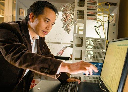 加拿大最年轻的两院院士:陈忠伟教授