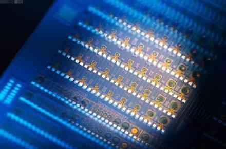 中国芯扬威 自产12英寸硅晶圆至关重要