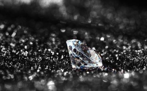 """中科院""""种""""出钻石:可媲美天然钻石"""