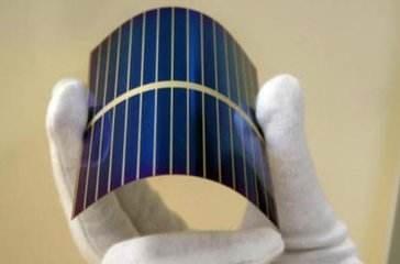 日本研发出厚度不到1毫米的可弯曲电池