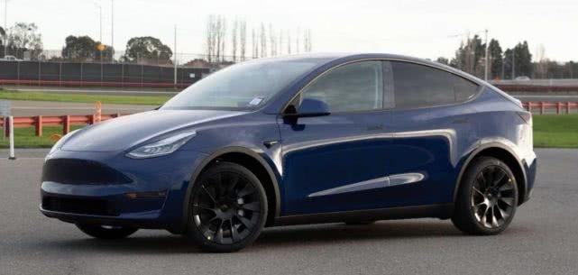 特斯拉发布首张Model Y量产车型图片 车身制造取得突破