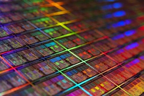 硅衬底上生长高结晶性黑磷薄膜研究取得进展