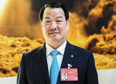 """记中国首位获得世界玻璃行业""""奥斯卡大奖""""的科学家——彭寿教授"""