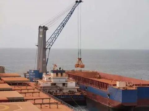 几内亚双铝联合首船20万吨铝土矿发运往中国