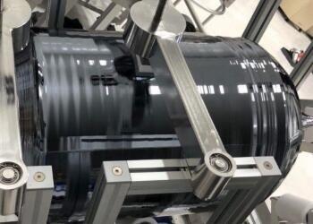 纯度11个9!国产450mm半导体级单晶硅棒研制成功