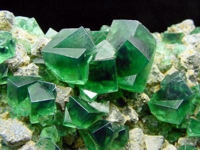 近年世界萤石矿床开发项目汇总