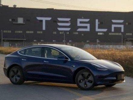 特斯拉再次入选新能源车推荐目录,均搭载三元锂动力电池