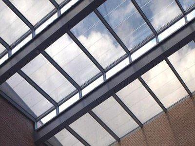 金晶科技与隆基股份签订16亿元光伏玻璃合约