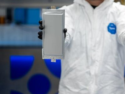 """为确保未来固态电池""""首发权"""",宝马集团投资了一家创新公司"""