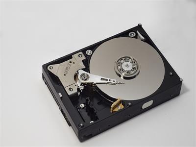 石墨烯用于超高密度硬盘驱动器,性能可提高10倍
