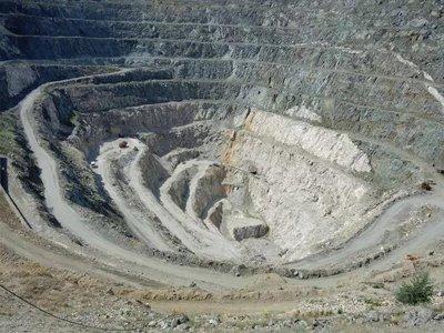 吐鲁番市挂牌出让4个非金属矿探矿权项目,价值1448.8万元
