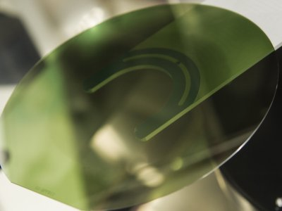 意法半导体:取得重大突破,已制造首批200mm碳化硅晶圆