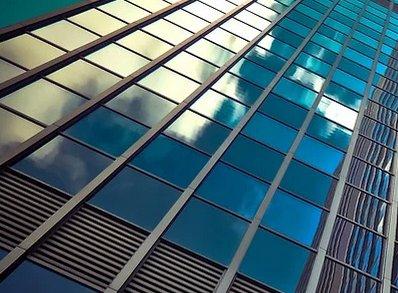 工信部召开平板玻璃价格座谈会:关注石英砂、纯碱、天然气等原燃材料价格变化,做好上游产业链协调