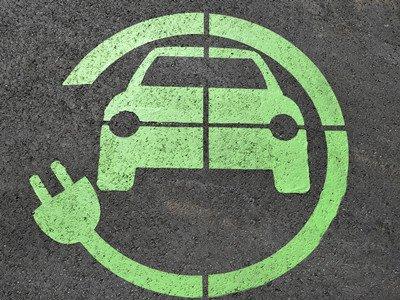 投资者青睐中国电动车电池产业