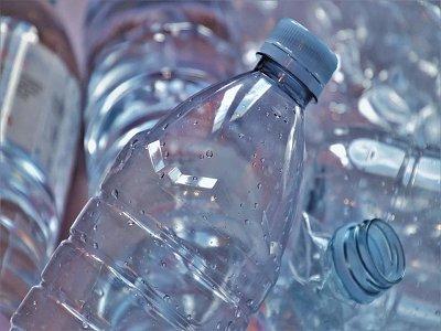 塑料水瓶变iPhone13手机天线?塑料改性给碳酸钙粉体人的启示!