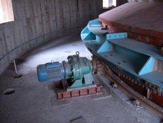 齿条转动环式给煤机