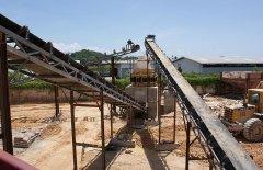 石灰石破碎制砂生产线的图片