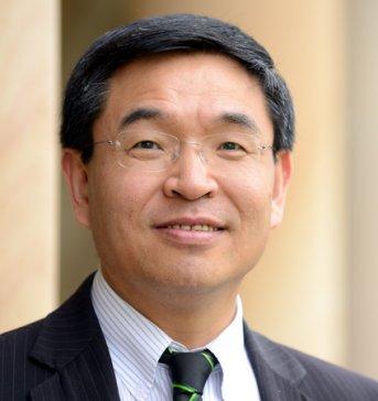 英国顶尖大学首任华裔校长、纳米领域科学家:逯高清