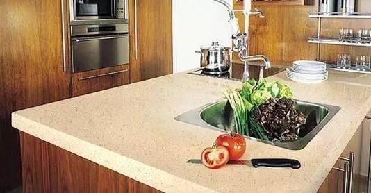 【生活中的粉体】石英石台面真的是整体厨房最佳选择吗?