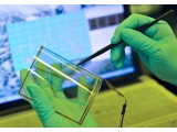 石墨烯太阳能电池问世,竟像玻璃一样透明!