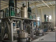 CYM-5000煤系高岭土超细搅拌磨机的图片