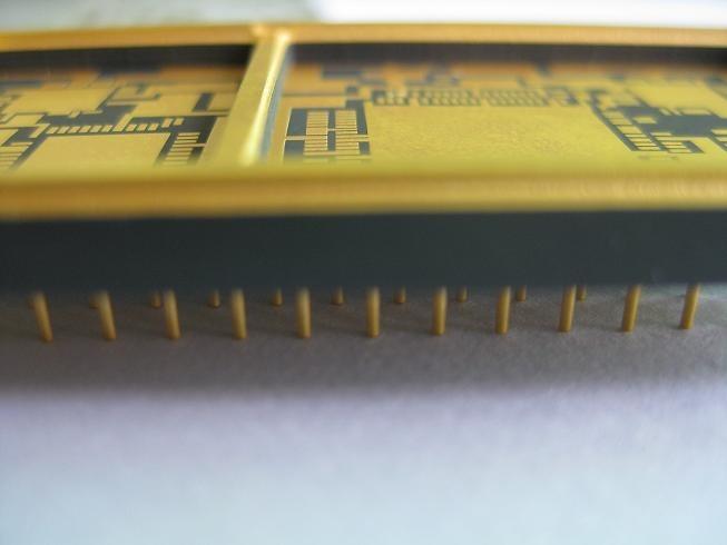 共烧陶瓷电路板的图片